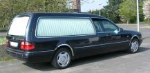 Mercedes-Benz_W210_Rappold_Leichenwagen_hl
